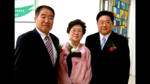 Kenneth Bae with Parents
