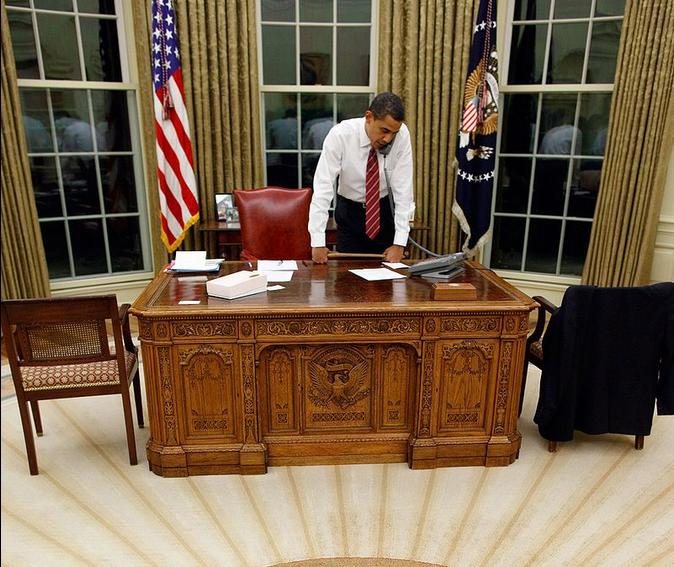 Resolute Desk Frank S Home Is A Tribute To His Adopted Country