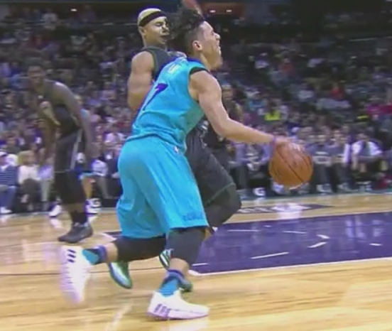 Jeremy Lin spiked hair gets best of Jerryd Bayless